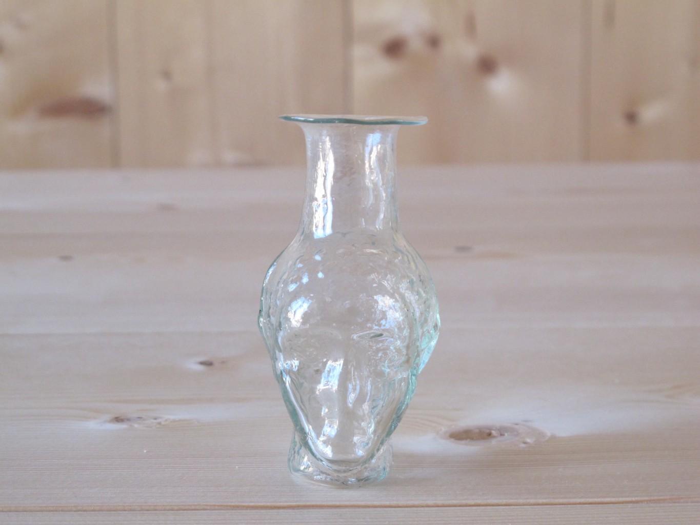 Johnas sans anse head-shaped small carafe vase by La Soufflerie