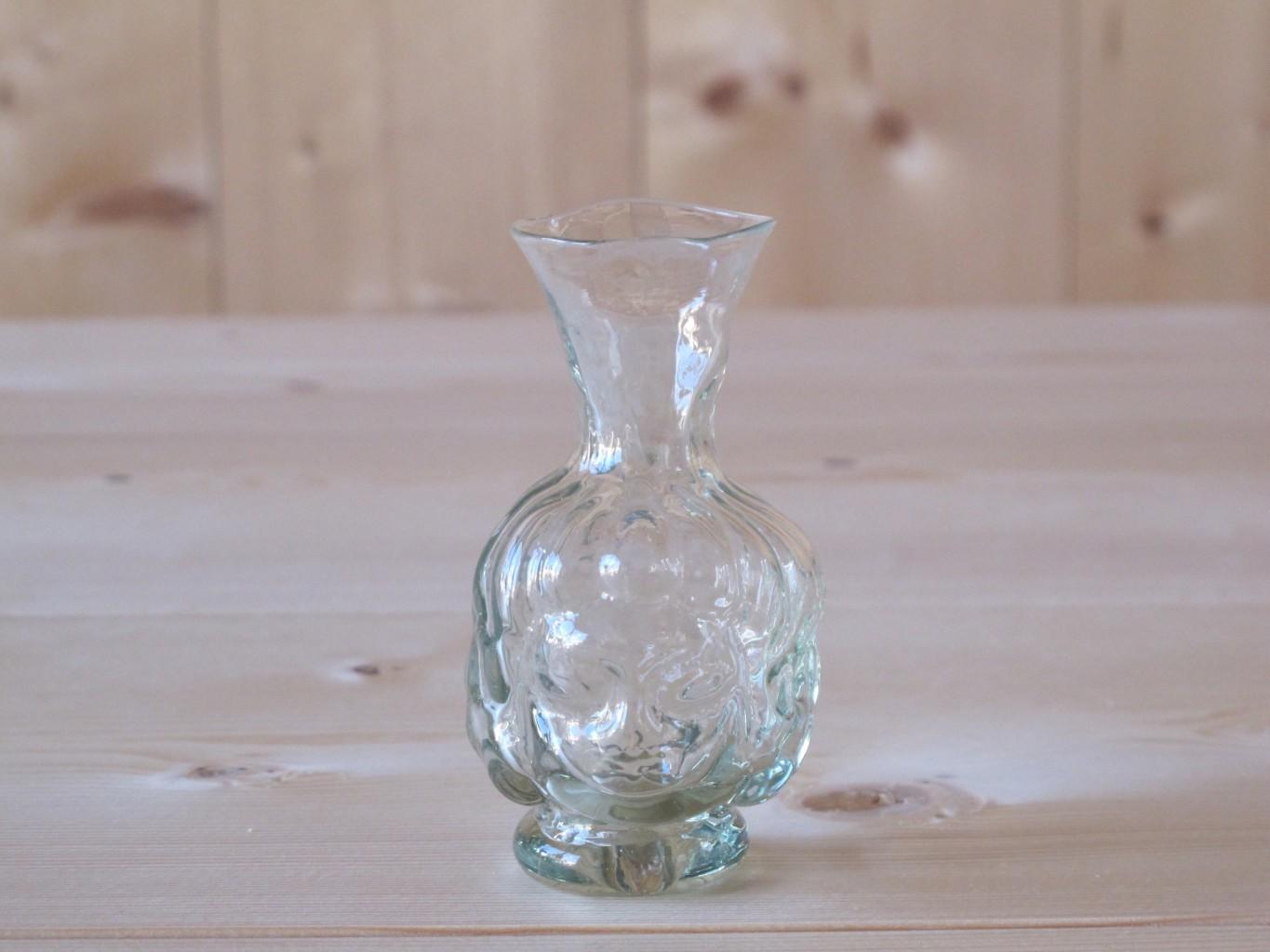 Thibaut head-shaped small carafe vase by La Soufflerie