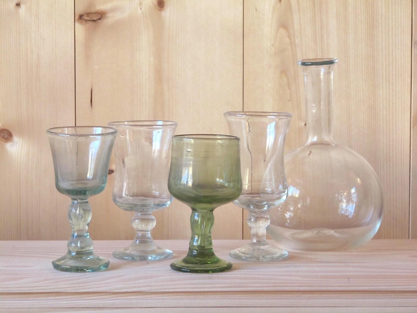 L to R: White Wine Glass, Verre Carnaval Transparent, Red Wine Glass, Verre Carnaval Transparent, Bouteille long neck
