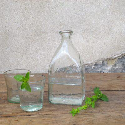 la-soufflerie-bouteille-carre-grand-large-square-carafe-transparent-hand-blown-recycled-glass