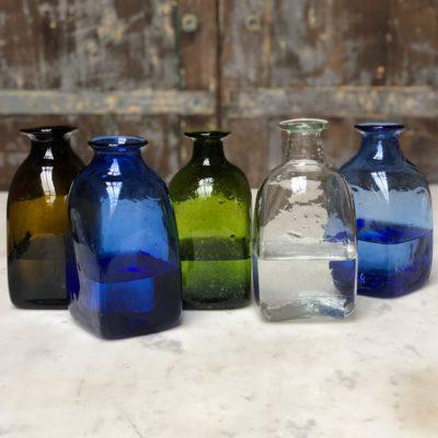 la-soufflerie-bouteille-carré-petit-square-carafe-dark brown-blue-olive-transparent-light-blue-hand-blown-recycled-glass