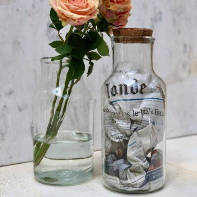 albarelle-grand-vases-with-flowers-and-cork-top-in-transparent-handblown-recycled-glass