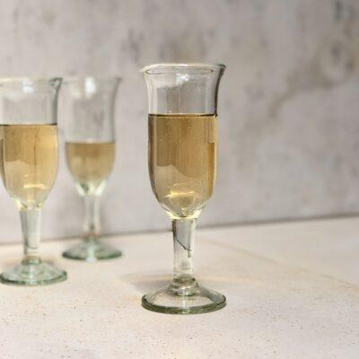 tulipe-champagne-glass-transparent-recycled-glass