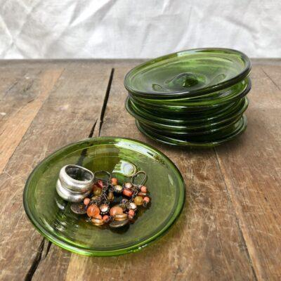la-soufflerie-assiette-10cm-olive-small-plate-hand-blown-recycled-glass