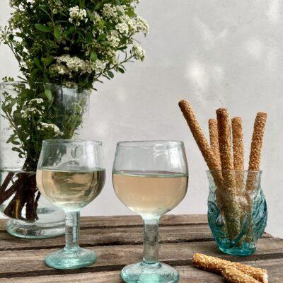 la-soufflerie-chalice-wine-glass-verre-tete-turquoise-light