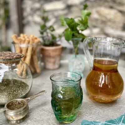 la-soufflerie-verre-tete-turquoise-light-drinking-glass-head-shaped-glass