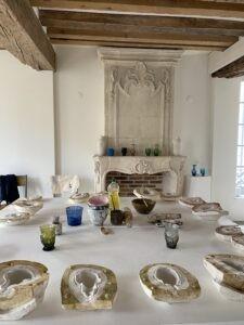la-soufflerie-patou-plaster-stage-table-set-up